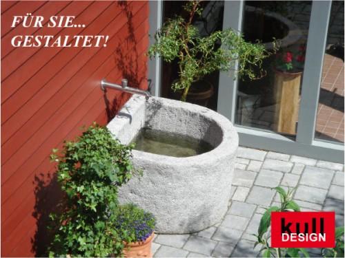 Beispiel: Gartenbrunnen mit Edelstahl-Wasserhahn und Steinbecken