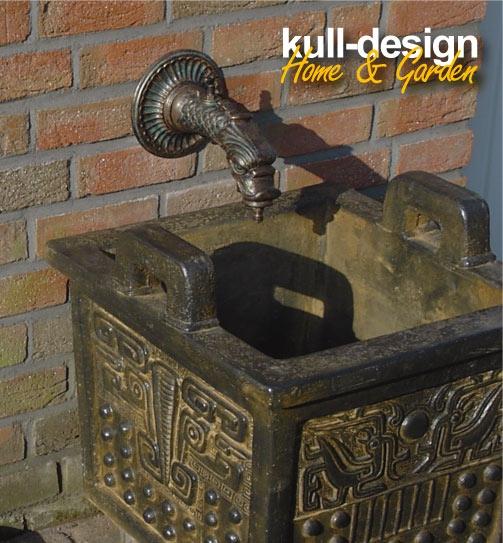 Schon Wasserhahn Garten Antik Nostalgie Wasseranschluss Zierrosette. Download  Image 2300 X 1531. Kull Design