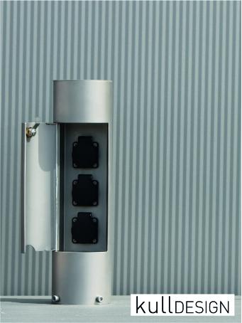 Edelstahl Garten-Energieverteiler mit Türe und Platz bis zu 3 Steckdosen oder 2x und ein Wasserhahn.<br> Genügend Platz für große Trafo  wie z.B. für Rasenroboter.