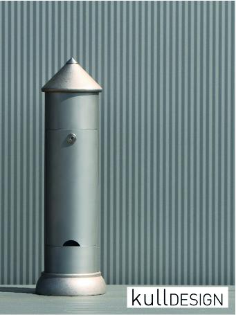 Gartensteckdose und Energieverteiler in Edelstahl mit 3 Steckdosen und Türe.