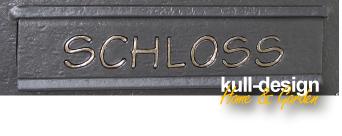 Name auf Briefkastenklappe graviert und mit 23 Karat Blattgold oder Blattsilber ausgelegt