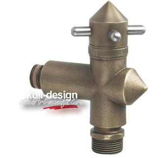 Design Garten Wasserhahn in Bronze mit Rohrbelüfter und Rückflussverhinderer.