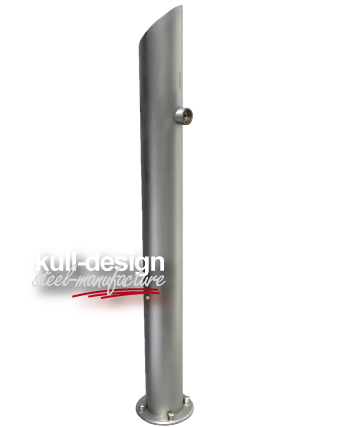 Stainless steel column D 100 mm as water point in the garden.