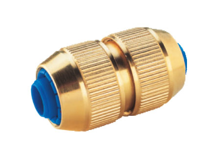 Steel connector for garden hose